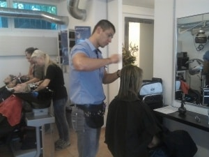 Coiffure Fachschule in Zürich - Escola de Cabeleireiro - Escuela de Peluquera - School of Hairdressing - Scuola Parrucchieri - Ecole des coiffeurs - 04