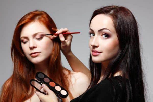Professionelle Make-up Artist und Visagist Kurs