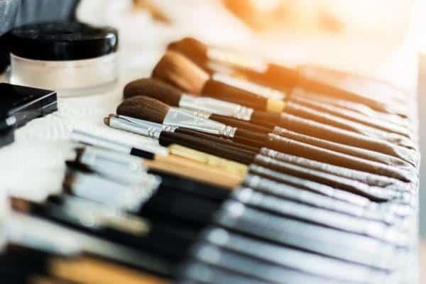 lernen Sie alle Techniken an der besten Make-up-Schule der Schweiz.