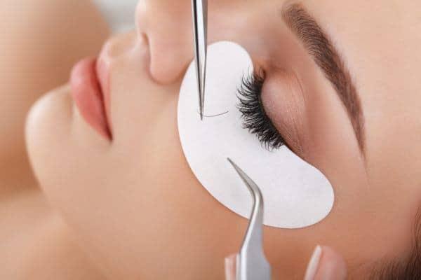 Wir bieten an unserer Beauty Schule die verschiedensten Beauty Seminare und Beauty Schulungen